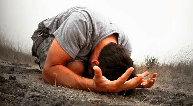 prostrate-in-prayer